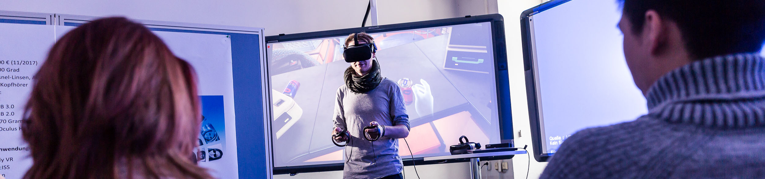 Student in einer Virtual Reality Simulation